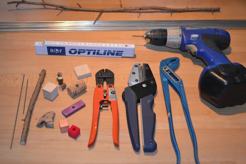 Material und Werkzeug