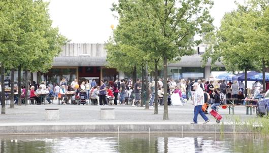 Menschenmengen im Tierheim Berlin